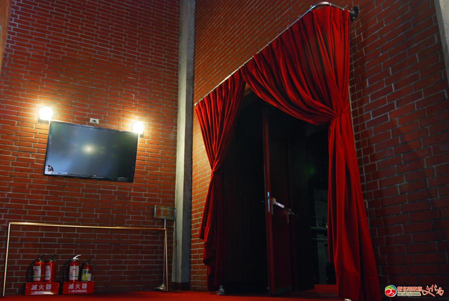 觀眾席側面入口